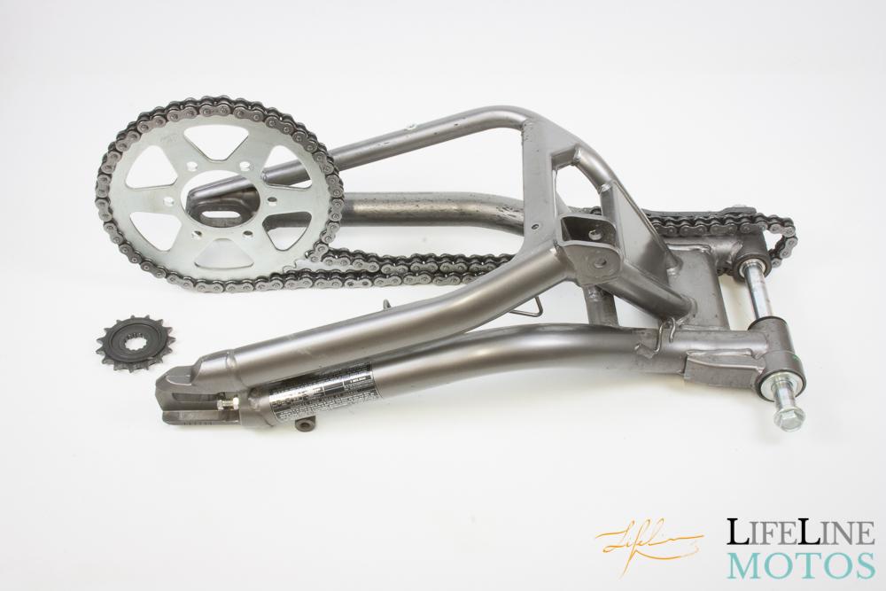 kit chaine et bras oscillant kawasaki er 6n 2012 lifeline motos. Black Bedroom Furniture Sets. Home Design Ideas
