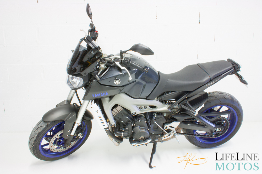 Yamaha mt09 blue race 2014