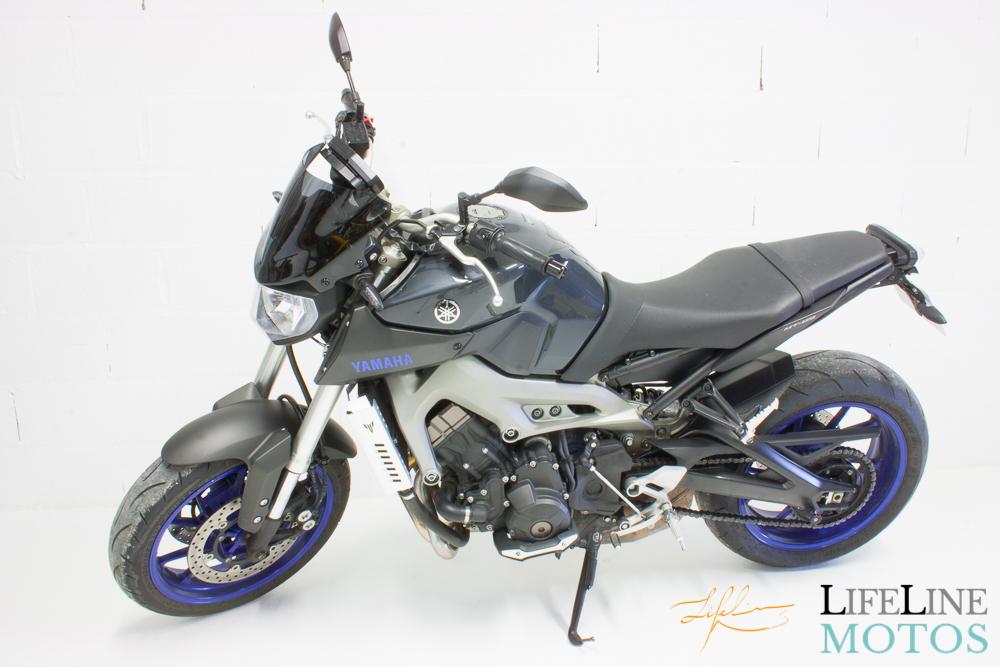 Yamaha mt09 blue race 2014