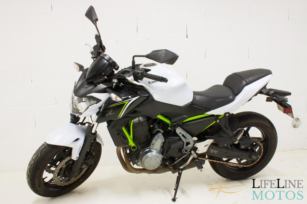 Kawasaki Z650 blanche 2017-3